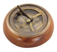 Sundial-compass on wooden base