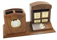 Dice-calendar/penholder & clock
